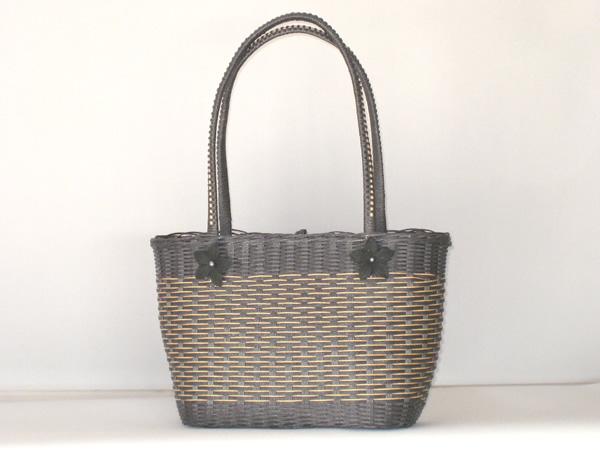 エコクラフト 黒のバッグ2